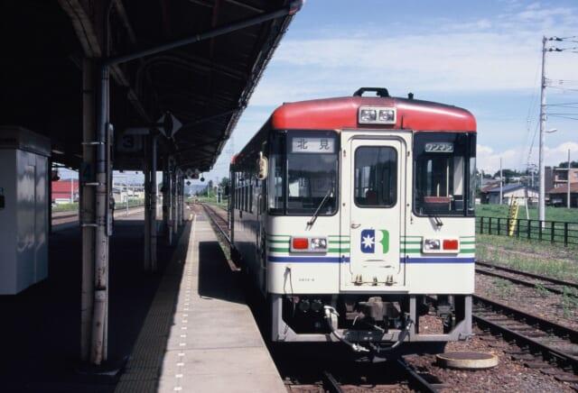 池田駅で発車を待つ北見行き列車
