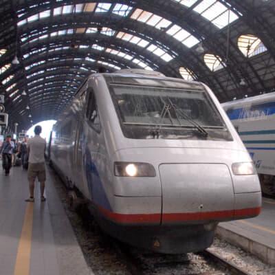 イタリアからスイスへ、国際列車の旅