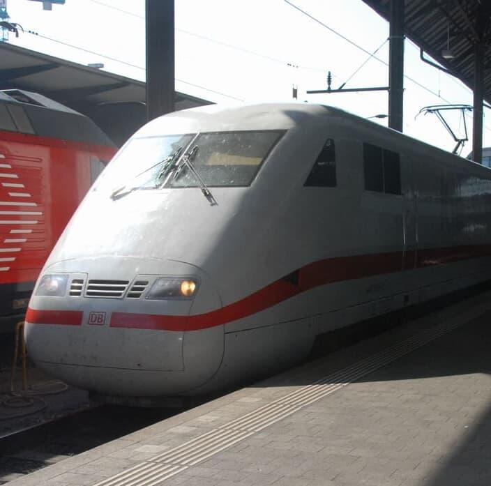 ドイツの高速列車ICEの旅、バーゼルからフランクフルトへ