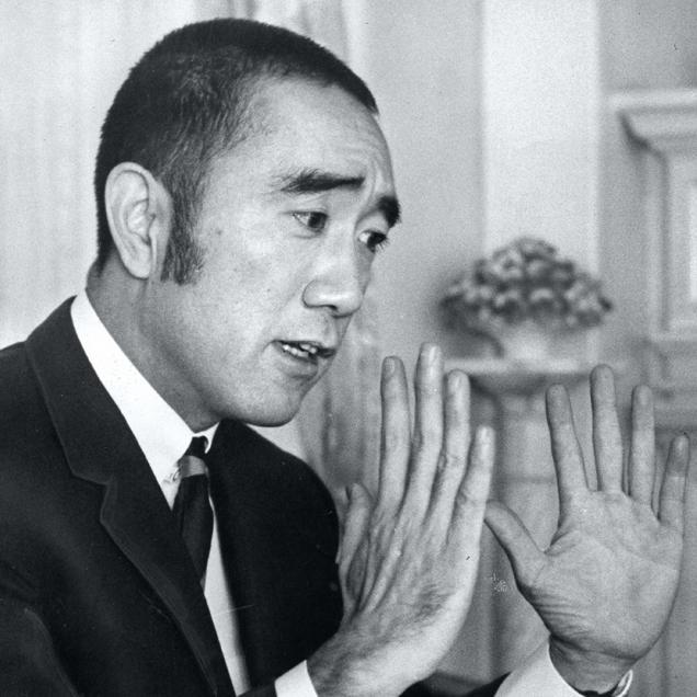 日本人は「劣等感から生れた不自然な自己過信」を卒業しなかった〜三島由紀夫が叱った現代日本②