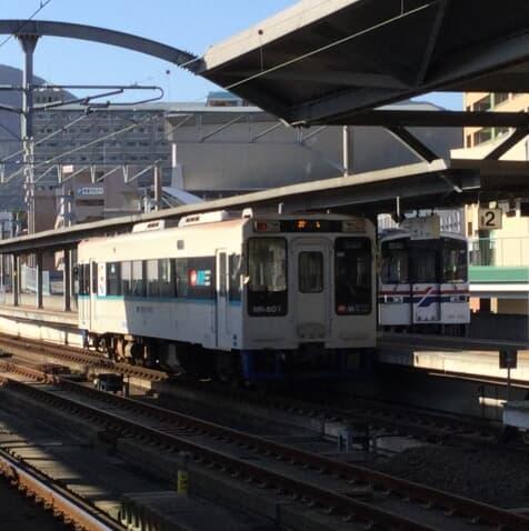 《松浦鉄道》旅のシメは巨大すぎる「佐世保バーガー」で決まり!【女子鉄ひとりたび】25番線