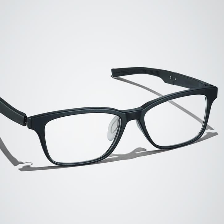 「掛け心地の良さ」を追求したメガネフレーム