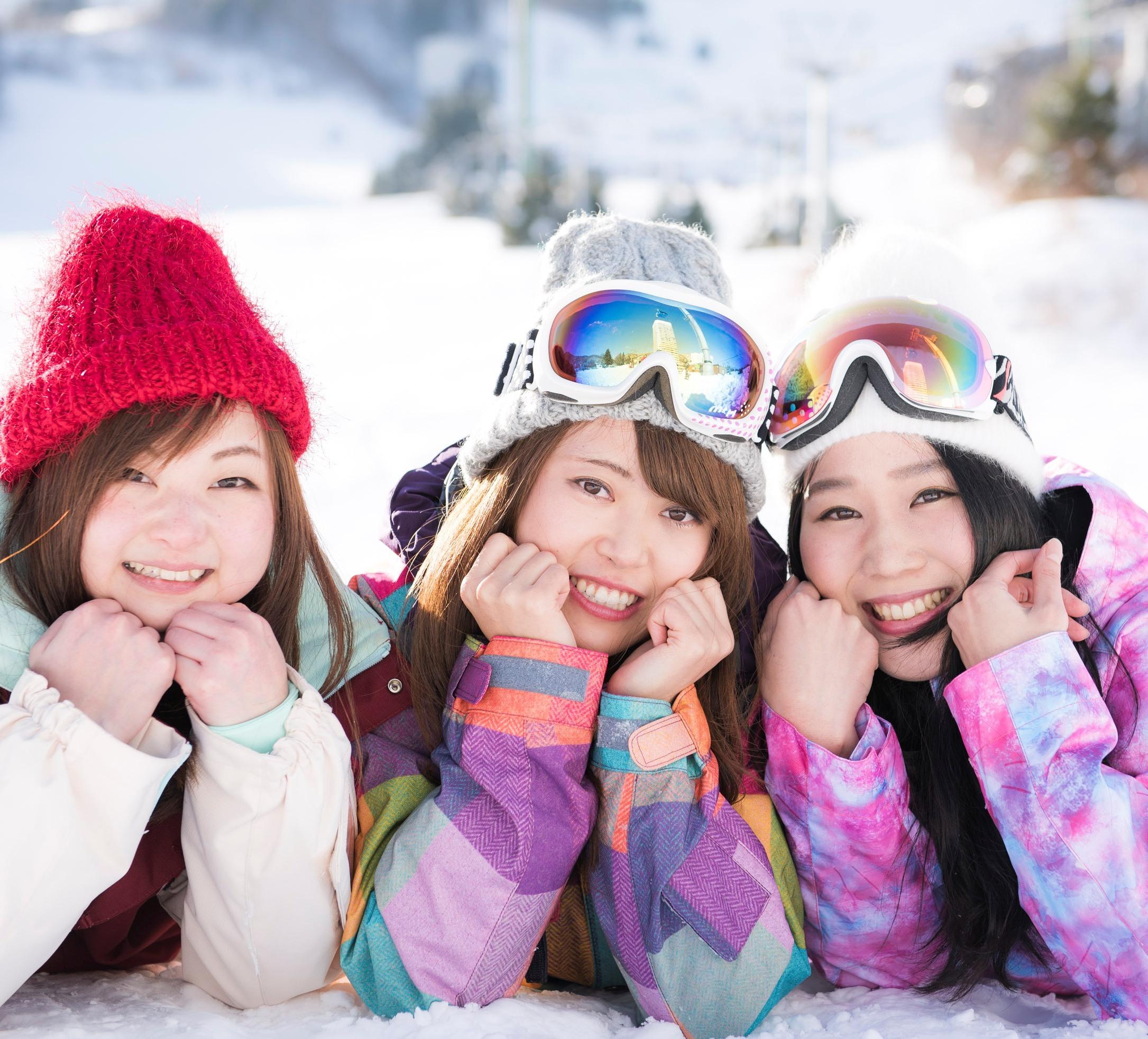 「冬が胸にきた」の桜井日奈子ちゃんを<br />探しに「俺が雪山にきた」<br />【仲良しグループ編】