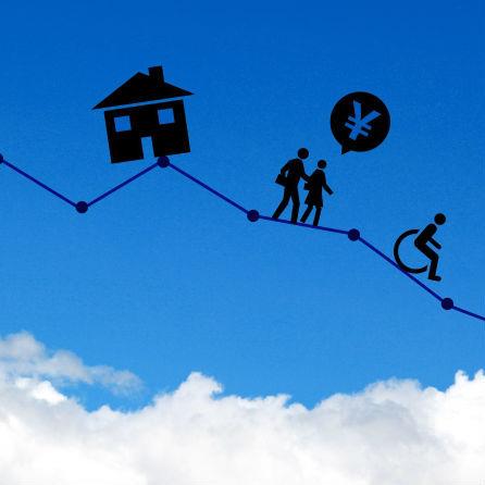 定年後の家計、食費や住宅ローンより怖いもの