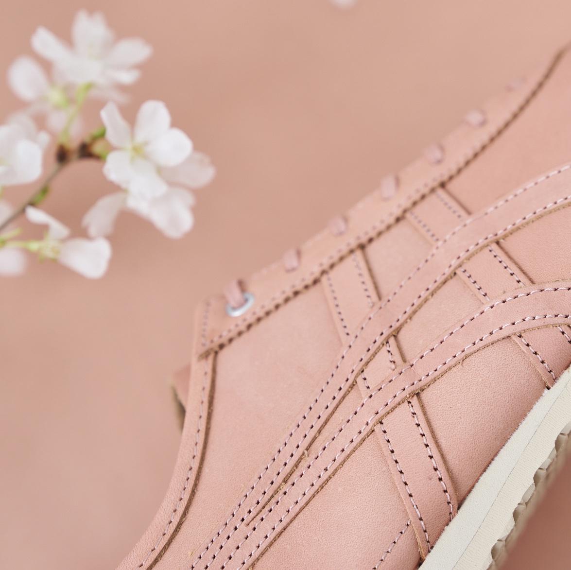 「本物の桜から作った」オニツカタイガーの新作スニーカー