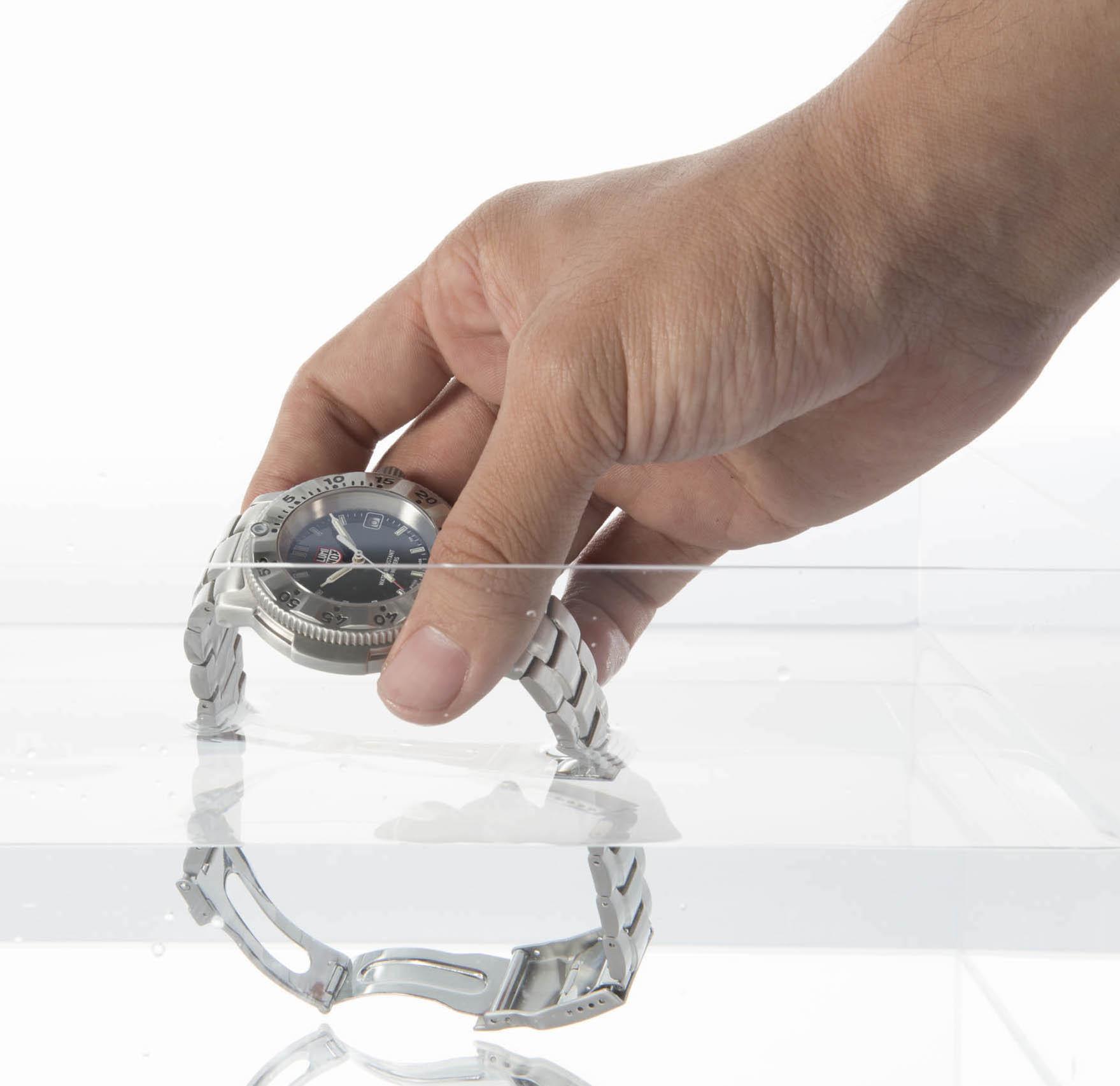 防水時計で温泉に入るのはアリ? ナシ? 紛らわしい時計のメンテ俗説9選