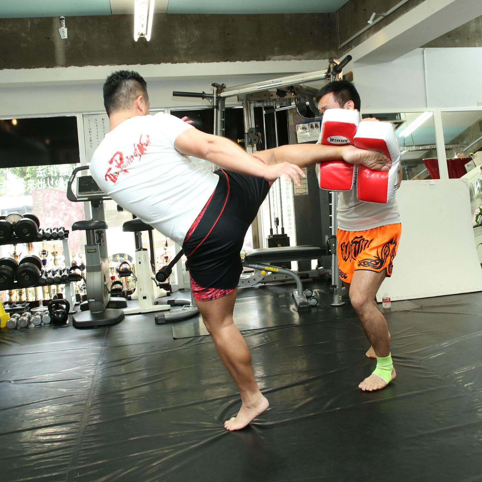叩いて、蹴って、やせる! ストレス解消&ダイエット効果大のキックボクシング