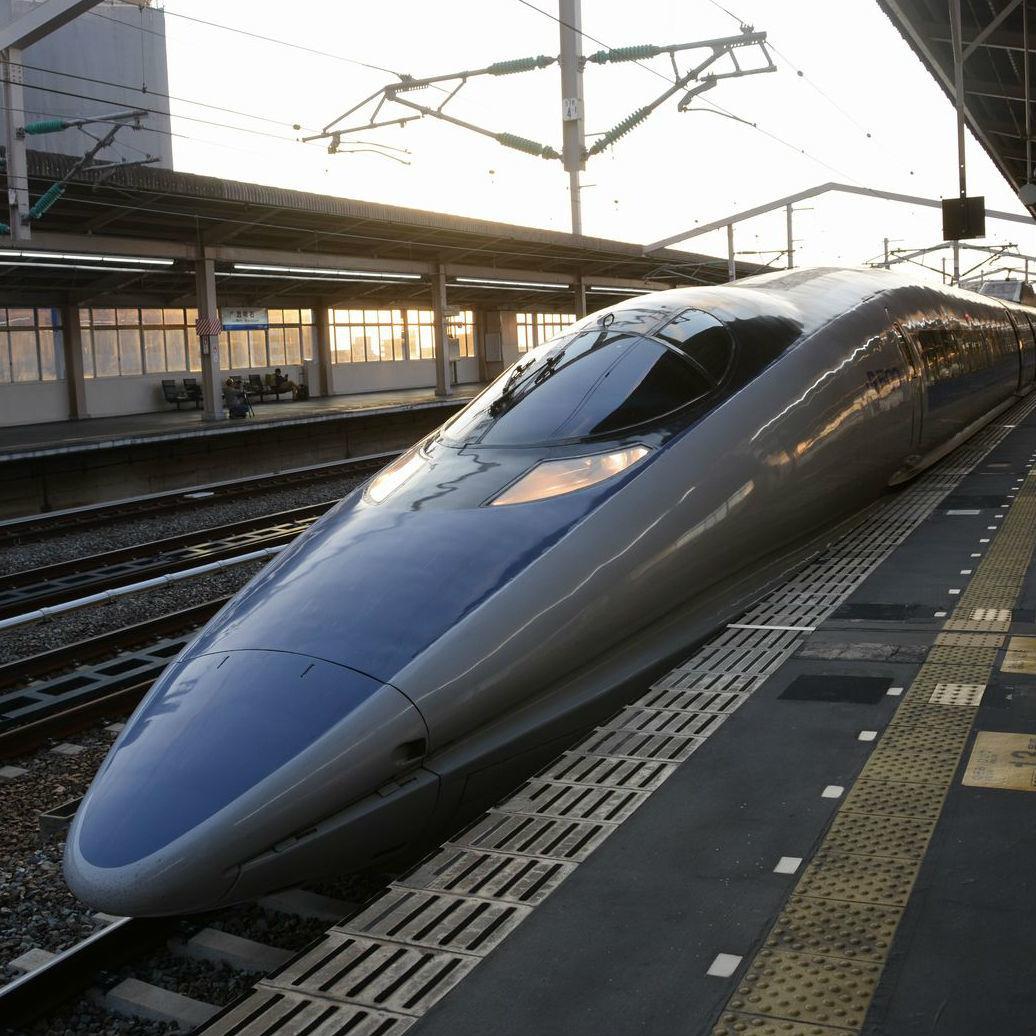 懐かしの500系新幹線でのんびり旅行