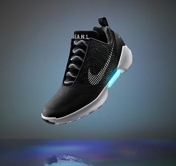 靴ひもまで自動化される未来が、もうすぐそこまで来ているらしい。