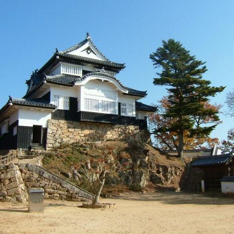 現存12天守の中で唯一の山城「備中松山城」