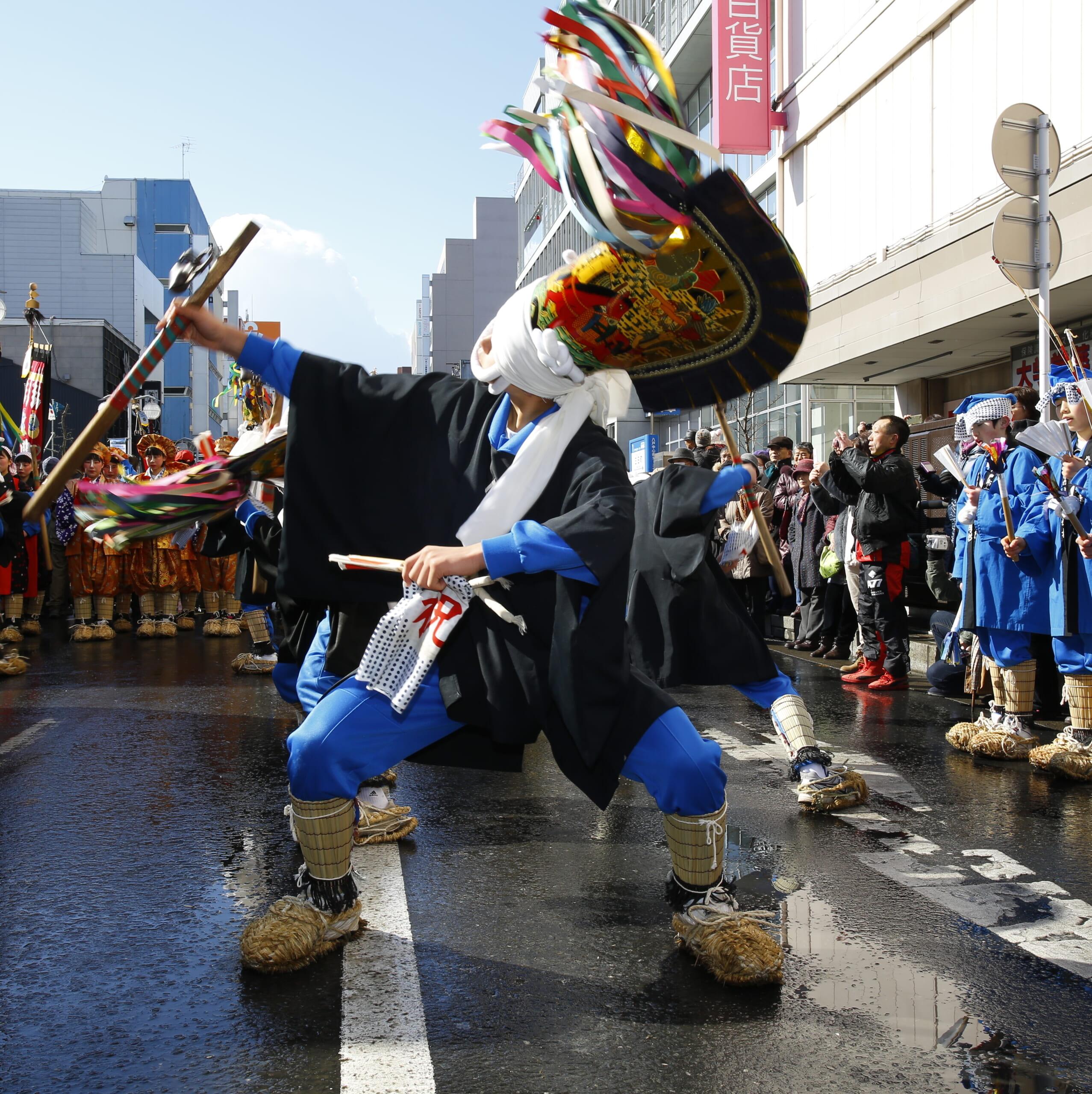 青森県八戸市「八戸えんぶり」<br />凍てつく大地を摺り、春を目覚めさせる