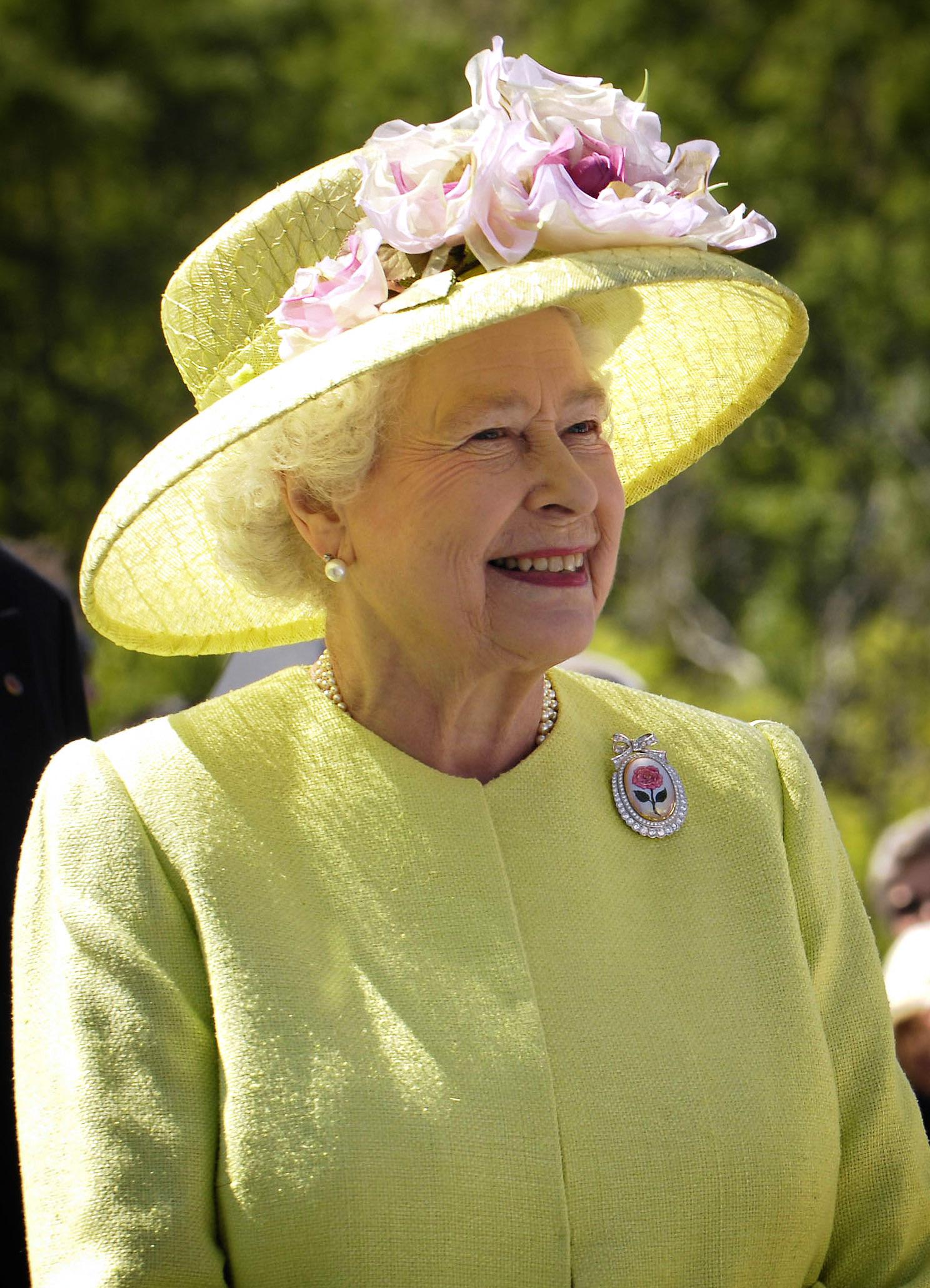 エリザベス女王を満足させた新幹線の運転技術