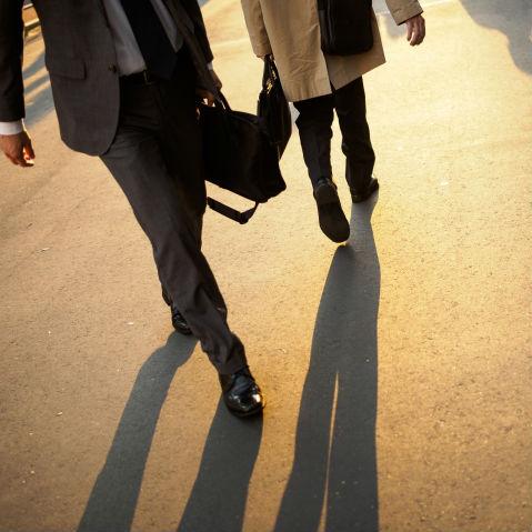 会社からまっすぐ帰宅しない「フラリーマン」、精神科医はその心理についてどう考えるか