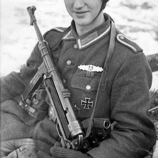 連合軍も鹵獲すれば好んで愛用したドイツの短機関銃「MP38」