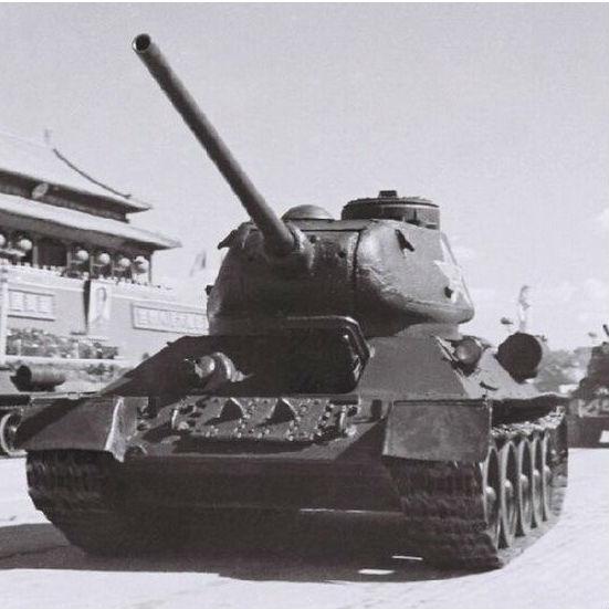 第二次大戦終結後続々とライセンス生産された「T-34/85」