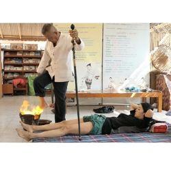 足を燃やして治療する伝統医療【ヤムカン】で神秘体験 ~燃える足マッサージの魅力~