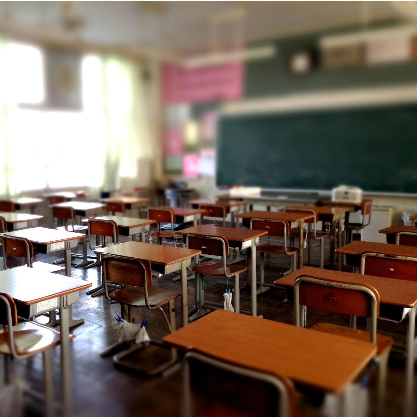 教師を疲弊させる社会に未来はあるか