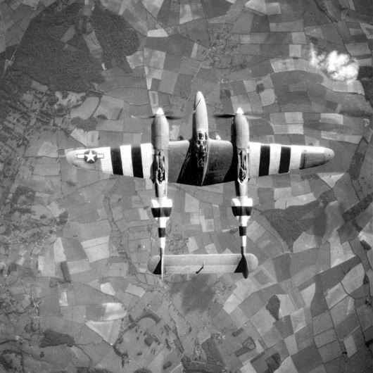 双発戦闘機の傑作「双尾の悪魔」(ロッキードP-38ライトニング:アメリカ)