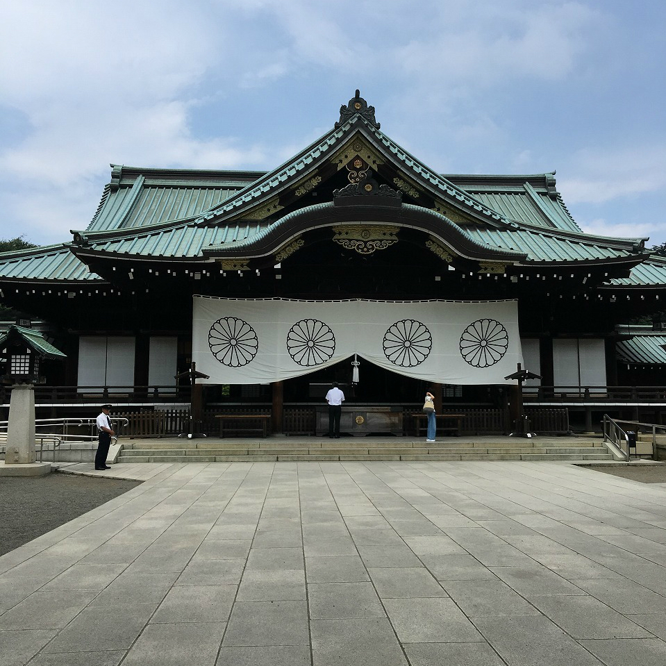靖国神社で戦国を観る