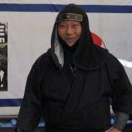 忍者ショーでクリス・グレン 伊賀忍者軍団・阿修羅