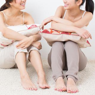 マメに送る・友達の話題・食事の写真 女子に一番嫌われるLINEはどれ?