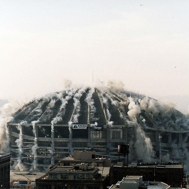 なぜ米国の最先端技術で造られたスタジアムは24年で壊れ、日本の神社仏閣は数百年建ち続けるのか?