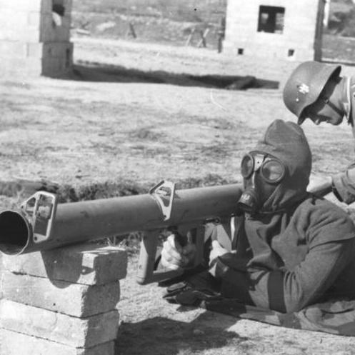 「戦車大国」ドイツの歩兵携行対戦車火器2題:パンツァーファウストとパンツァーシュレック