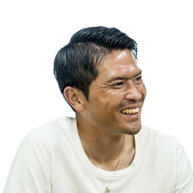 <特別インタビュー>「先生」と呼ばれる現役サッカー選手。岩政大樹はなぜ書くのか?