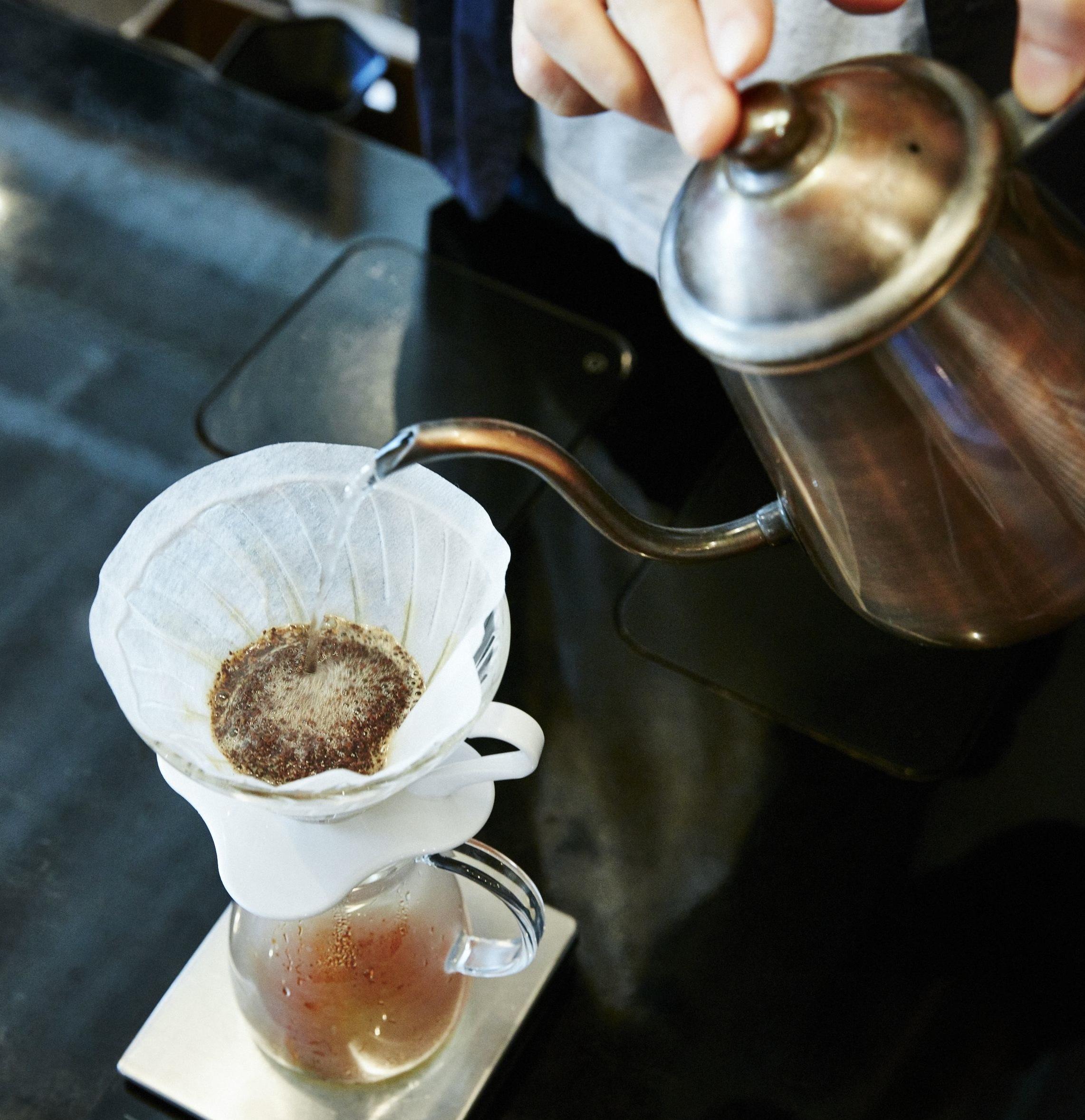 """""""日本一のバリスタ""""が教えてくれた、<br />おうちコーヒーが10倍美味しくなる方法。"""