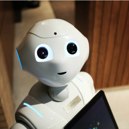 ロボットの進化によるメリット・デメリットは?