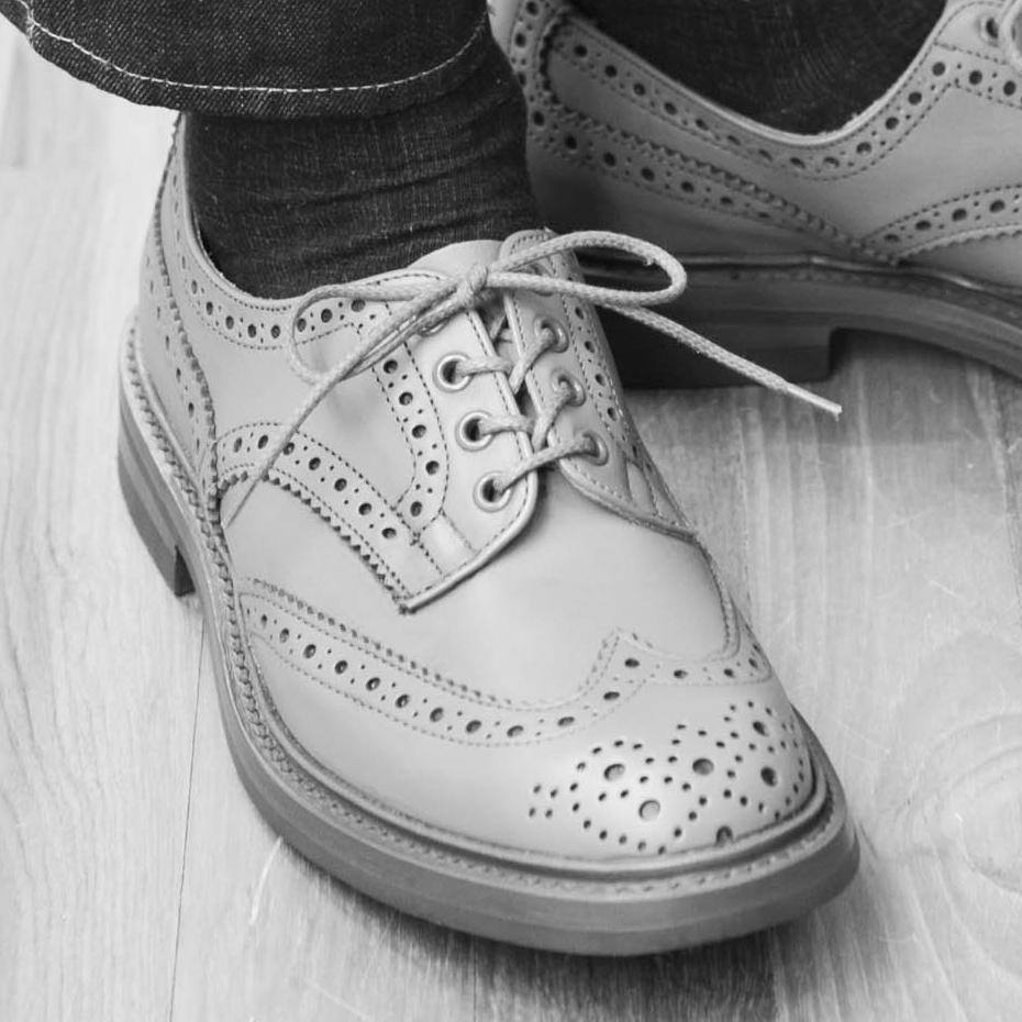 革靴をラフに履きたいときの「靴ひもの結び方」