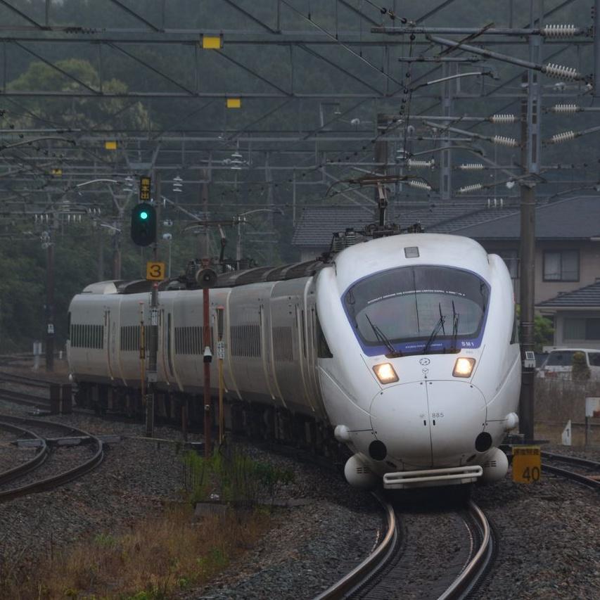 JR九州の「白いかもめ」普通車とグリーン車乗り比べの旅