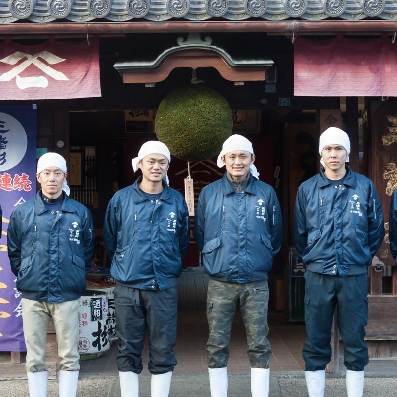 日本最古の「酒都」に新風を吹き込む。若き蔵人たちの醸す酒と熱