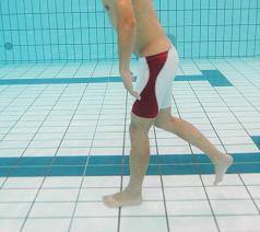 夏の疲れや冷え、足のむくみは水泳で改善できる