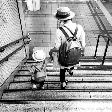 """ママが語る""""ワンオペ育児""""のリアル「主婦に定時はない」"""