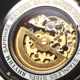 なぜあなたの腕時計は「チクタク」という音がしないのか?