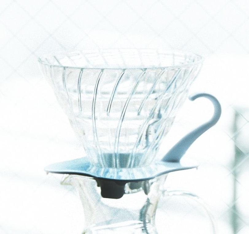 おうちコーヒーに必要なモノ。3位ミル、2位ケトル、では1位は?