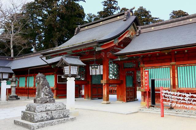 水の色が変わるのは天変地異の前触れ!? 塩釜にある日本三奇のひとつの神社