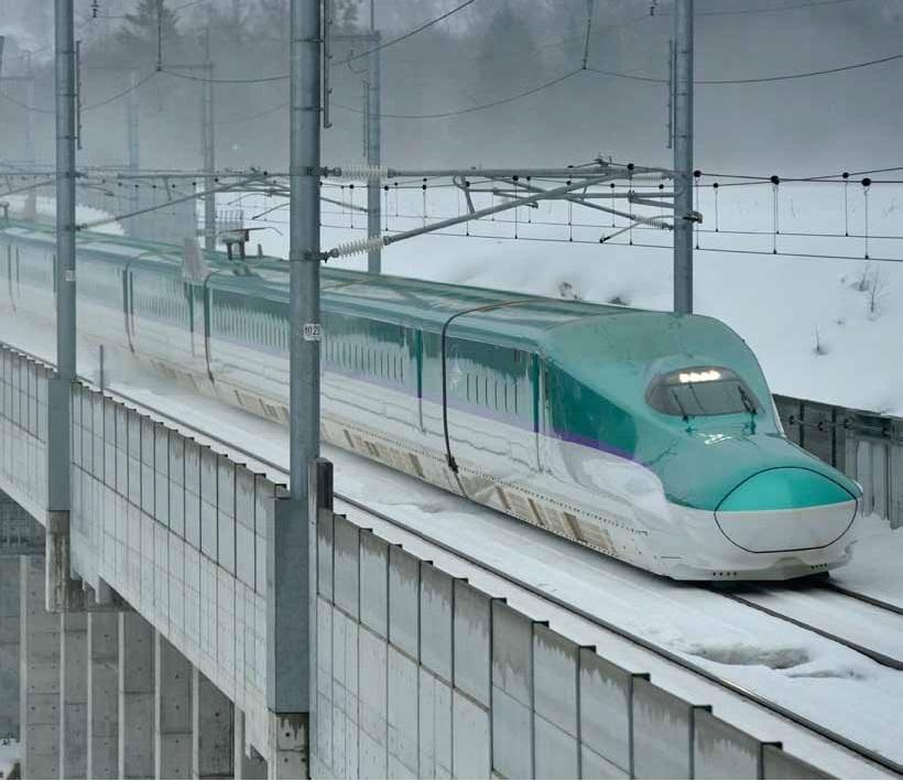 北海道を走る!最新のH5系新幹線とは!