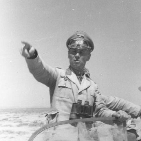 要衝トブルクの陥落で攻勢の機会を得た「砂漠のキツネ」