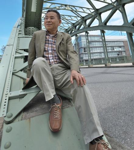 小説家•山本一力さん、深川の橋めぐり