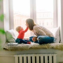 虐待などから子どもたちを守る「特別養子縁組」を支えるNPOスタッフの日常