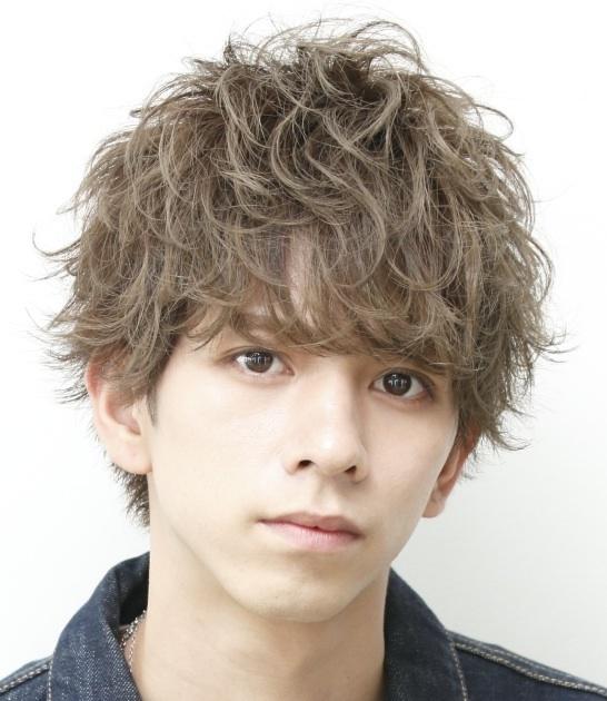 【NAVY】宇野文彦さんが作る「ホームベース顔」に似合うふんわりボリュームヘア<br />