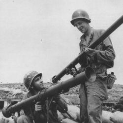 世界で一番有名な歩兵携行対戦車火器、バズーカ【第二次大戦の歩兵携行対戦車火器】
