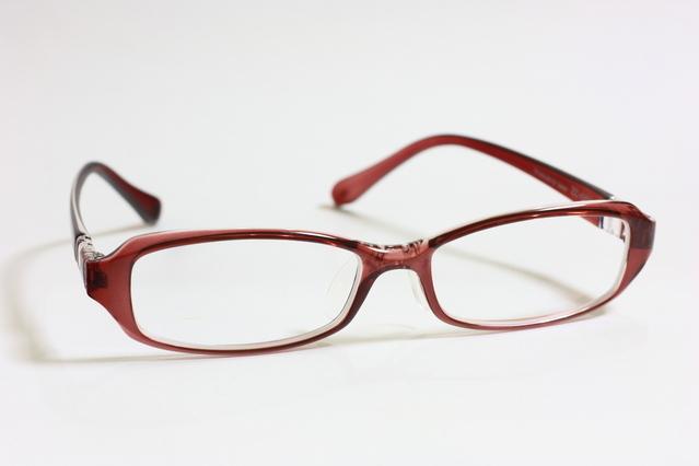 眼鏡をかけたらよけいに目が悪くなる?