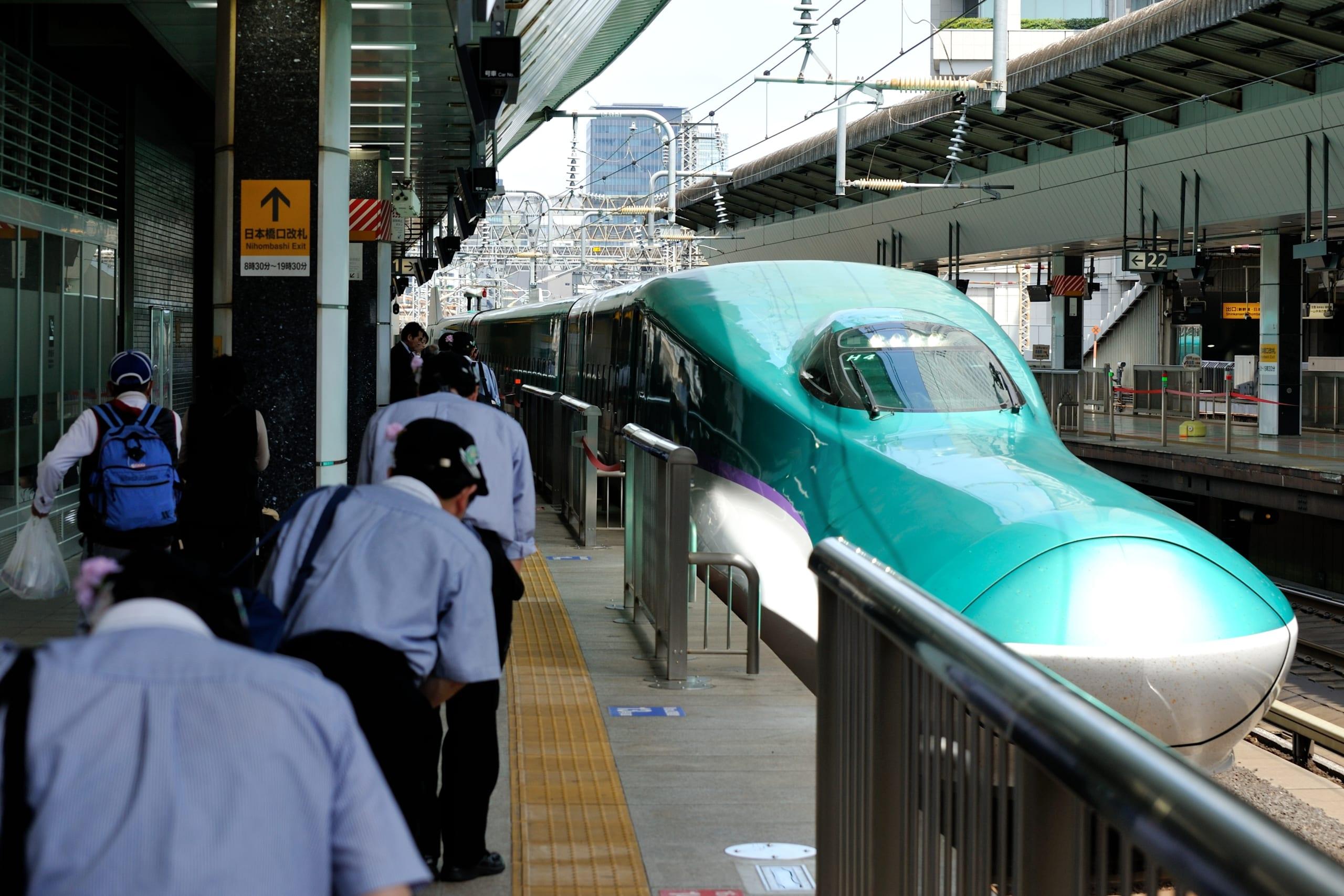 「7分間の奇跡」新幹線の車内清掃がまさに神業!海外から賞賛の嵐の理由とは!?