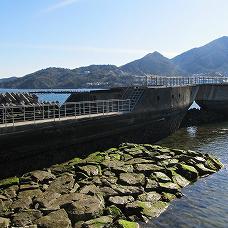 """防波堤になった""""浮かべる城""""前篇"""