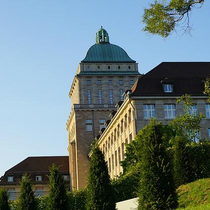 スイス名門大学で求められる「ドイツ語」力