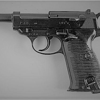 ルパン三世の愛銃「ワルサーP38」は、連合国側の監視の目が緩かったからこそ生まれた