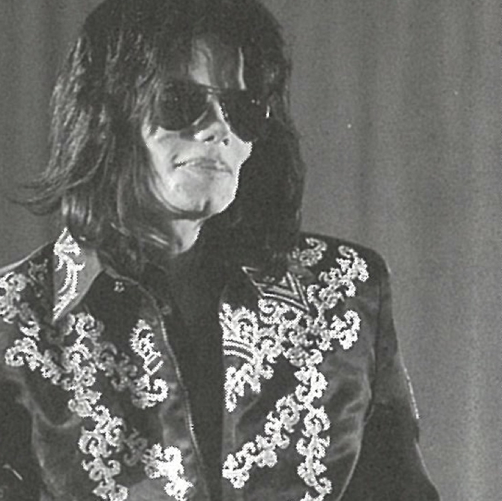 マイケル・ジャクソンは衣装も普段着もオーダーメイドだった【伝説の男のファッション④】